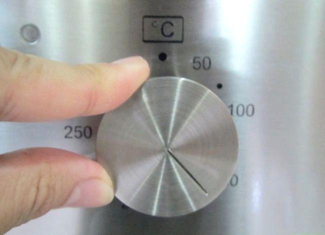Imaginea intitulată Reglați un termostat pentru cuptor Pasul 1