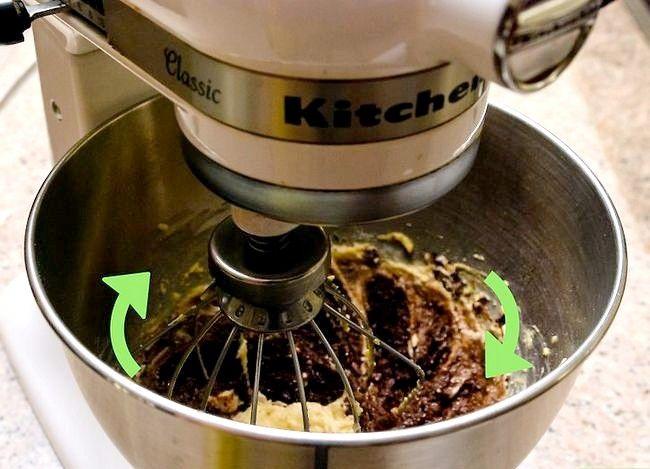 Imaginea intitulă Make Cake Butter Step 13