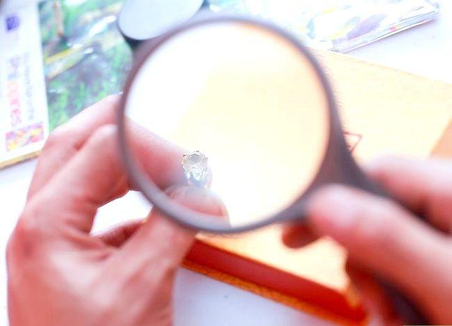Imaginea intitulată Cercei cu diamant curat Pasul 12