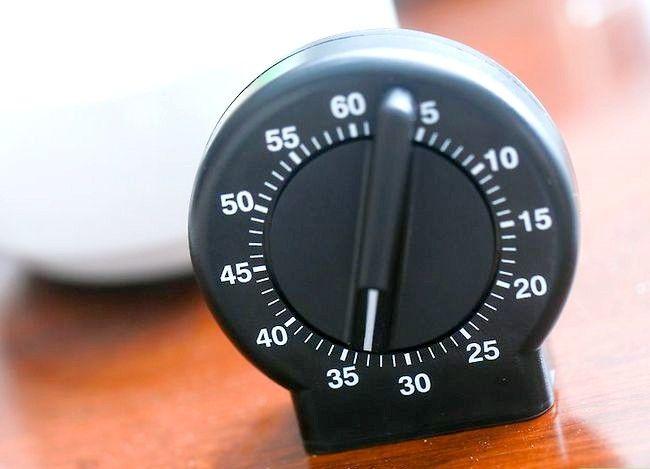 Imaginea intitulă Faceți un tort folosind un aparat de gătit sub presiune Pasul 19