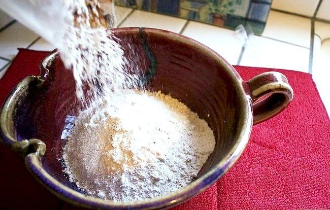 Imaginea intitulă Faceți un tort dintr-un amestec fără ulei și ouă Pasul 19