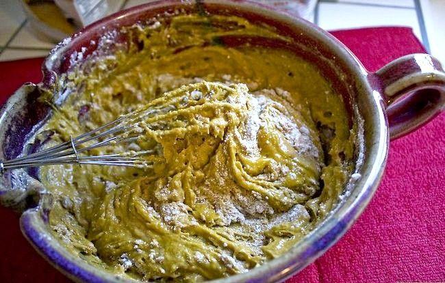 Imaginea intitulă Faceți un tort dintr-un amestec fără ulei și ouă Pasul 21
