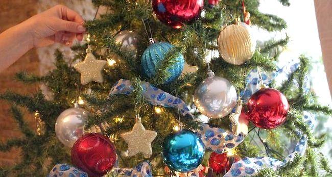 Imagine cu titlul Decorați un Pom de Crăciun Pasul 16
