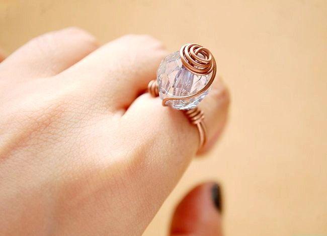 Imagine cu titlul Make a Ring Spiral Wire Ring