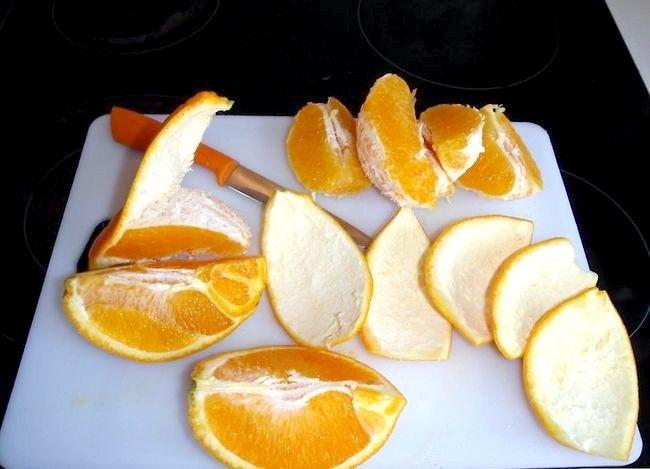 Imaginea intitulă Faceți coaja de portocale îmbuteliată Pasul 2