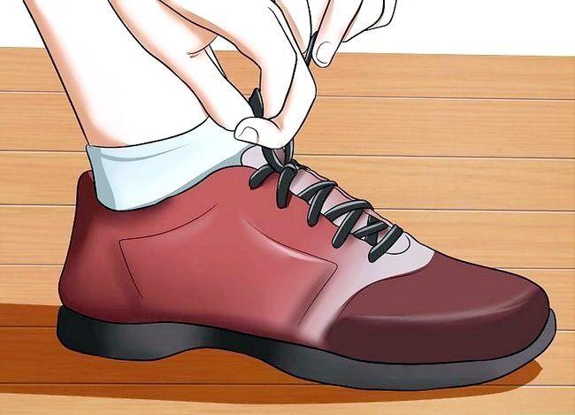 Imaginea intitulată Curățarea necazului la picioare și degetele picioarelor Pasul 6