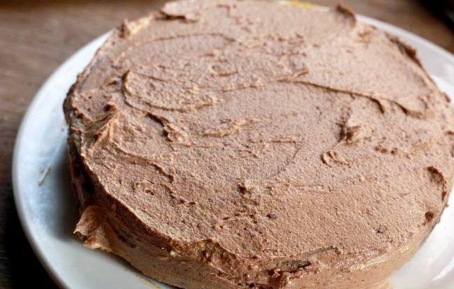 Imaginea intitulată Frost a Cake Pasul 18