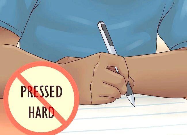 Imaginea intitulată Prevenirea durerii de mână din scrierea excesivă Pasul 3