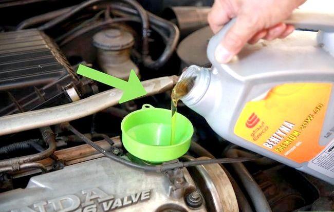 Imaginea cu titlul Verificarea uleiului dvs. 13