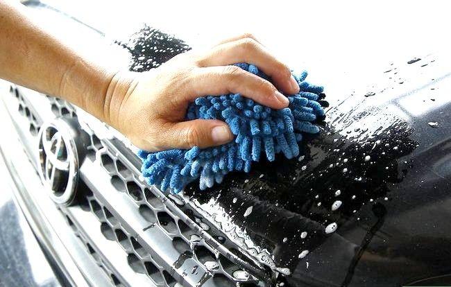 Imagine intitulată Eliminați bug-urile, gudronul și sucul din mașina dvs. Pasul 3