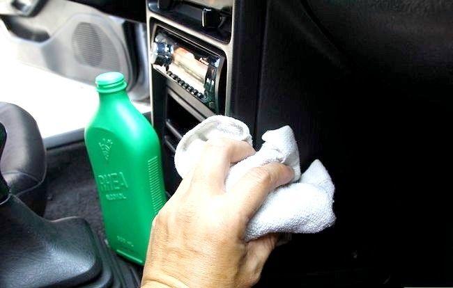 Imaginea intitulată Curățați mașina cu ingrediente acasă Pasul 11