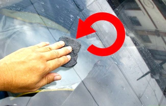 Imaginea intitulată Curățați mașina cu ingrediente acasă Pasul 39