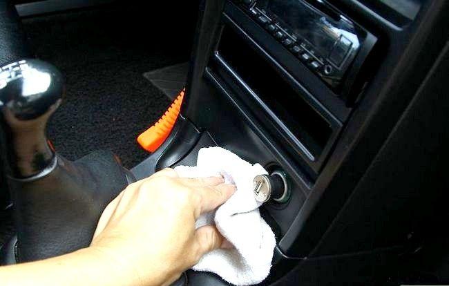 Imaginea intitulată Curățați mașina cu ingrediente acasă Pasul 9