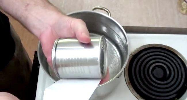 Imaginea intitulă Faceți caramelul din lapte condensat îndulcit Pasul 1
