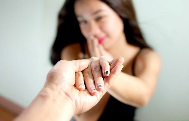 Imaginea intitulată Cunoaște diferența dintre dragoste, infatuare și dorință Pasul 4