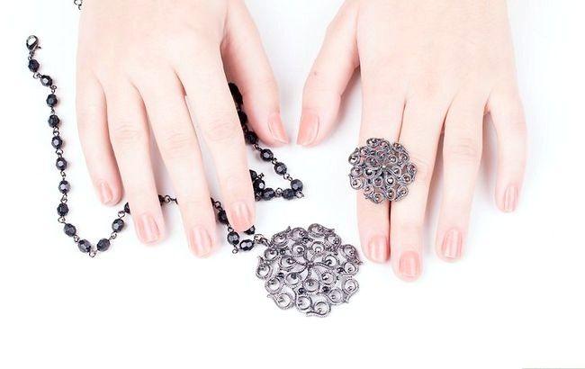 Imagine cu titlul Curățenie de bijuterii fals Pasul 1