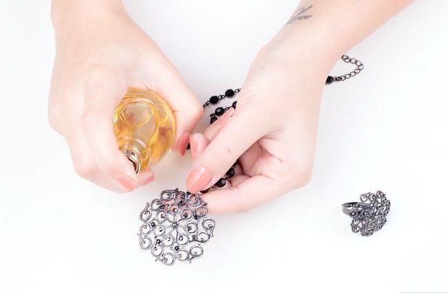 Imagine cu titlul Curățenie fals bijuterii Pasul 12