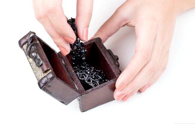 Imagine cu titlul Curățenie bijuterii fals Pasul 14