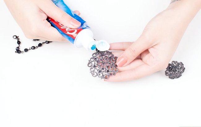 Imagine cu titlul Curățenie fals bijuterii Pasul 8