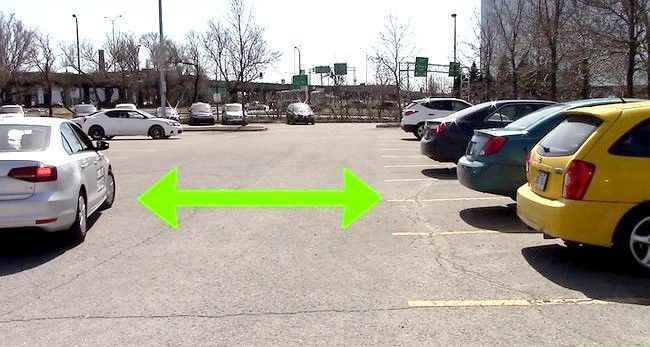 Imaginea intitulată Parcarea într-un lot de parcare Pasul 6