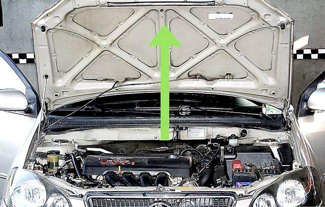 Imaginea intitulată Verificați și adăugați lichidul radiatorului Pasul 2