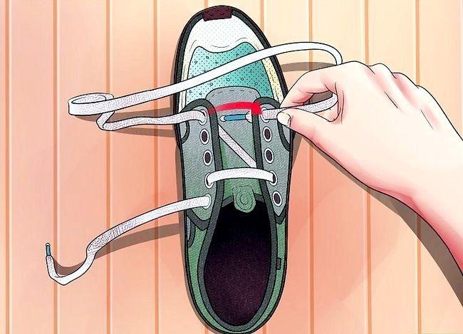 Imaginea intitulată Lace Shoes Pasul 15