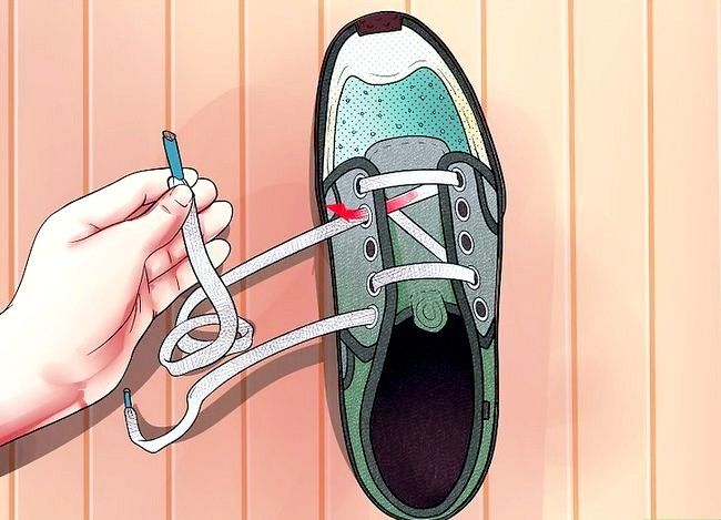 Imaginea intitulată Lace Shoes Step 16
