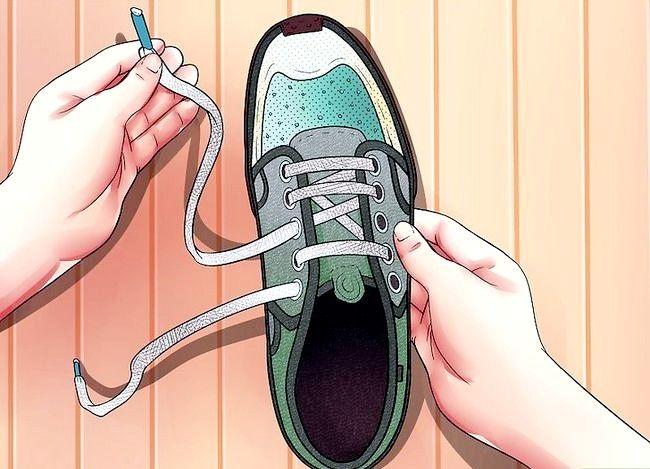 Imaginea intitulată Lace Shoes Step 18