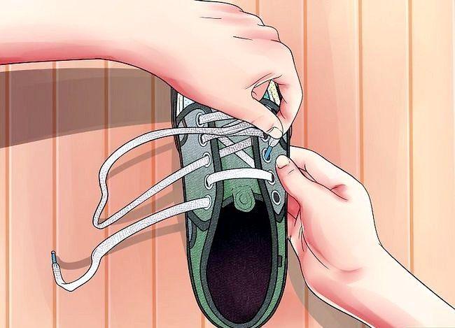 Imaginea intitulată Lace Shoes Step 19