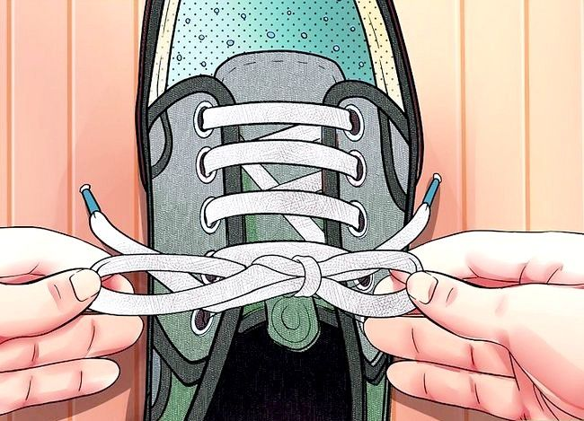 Imaginea intitulată Lace Shoes Step 22