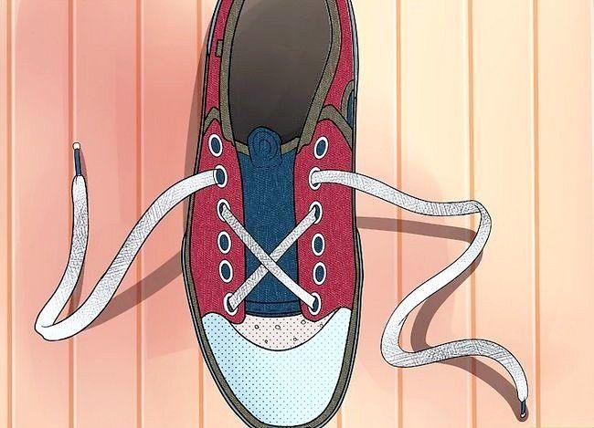 Imaginea intitulată Lace Shoes Step 25