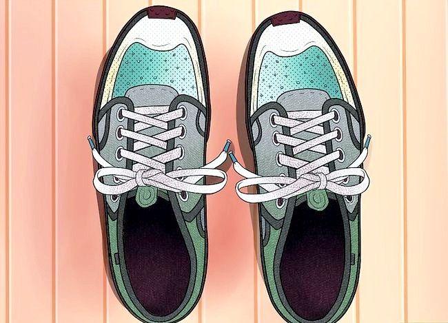 Imaginea intitulată Lace Shoes Step 32