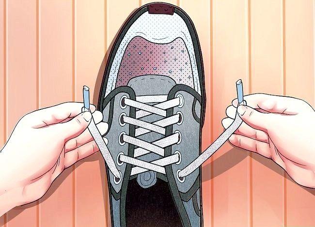 Imaginea intitulată Lace Shoes Step 9