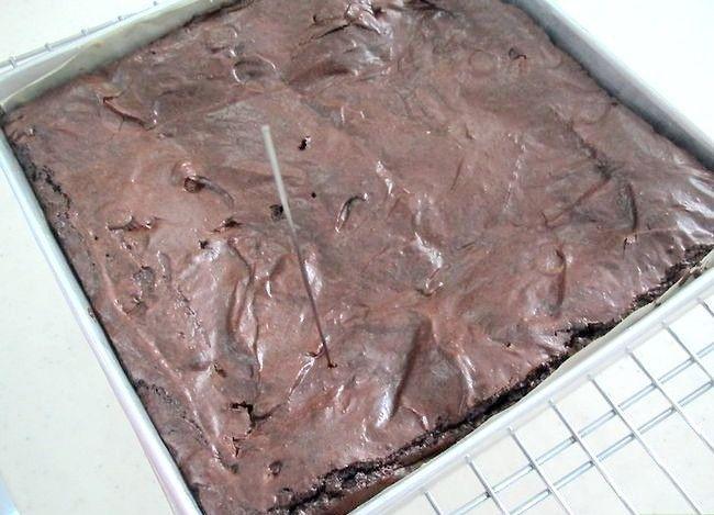 Imaginea intitulată Make Slutty Brownies Pasul 15