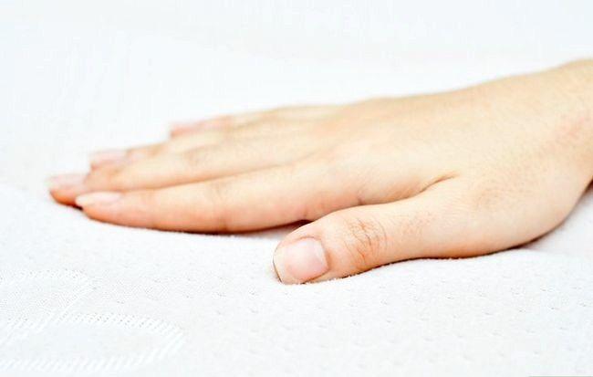 Imagine intitulată Îndepărtați petele de urină din salteaua Pasul 9