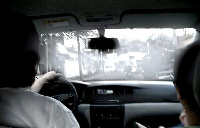 Imaginea intitulată Conduceți în siguranță în ceață Pasul 10