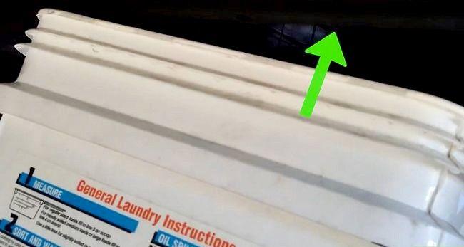 Imaginea intitulată Schimbarea lichidului de transmisie Pasul 4