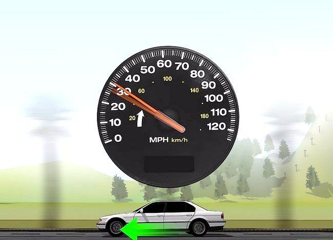 Imaginea intitulată Conduceți fără probleme cu o transmisie manuală Pasul 8