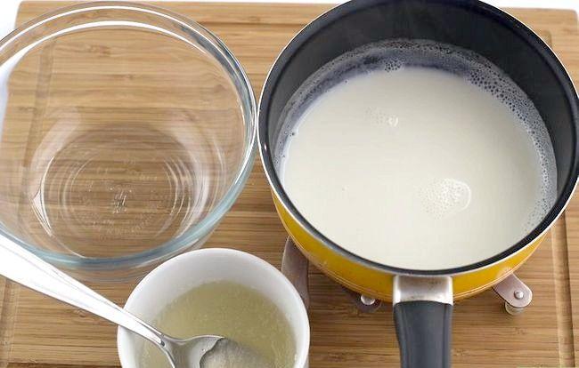 Imaginea intitulă Crează cremă din lapte Pasul 3