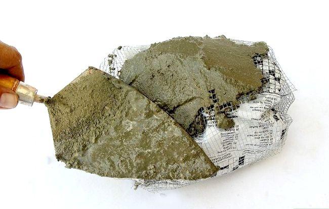Imaginea intitulă Faceți roci false cu beton Pasul 8