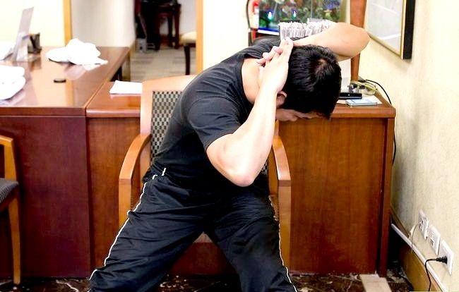 Imaginea intitulată Exercitarea abdomenului în timpul ședinței Pasul 15