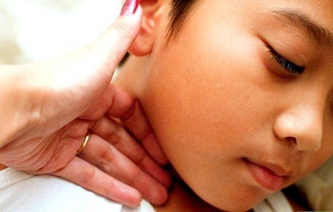 Verificați febra fără un termometru