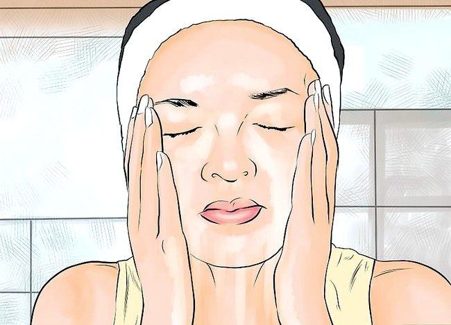 Imaginea intitulată Reduce umflarea și înroșirea sau cosurile Pasul 11